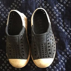 Native boys shoes size 8